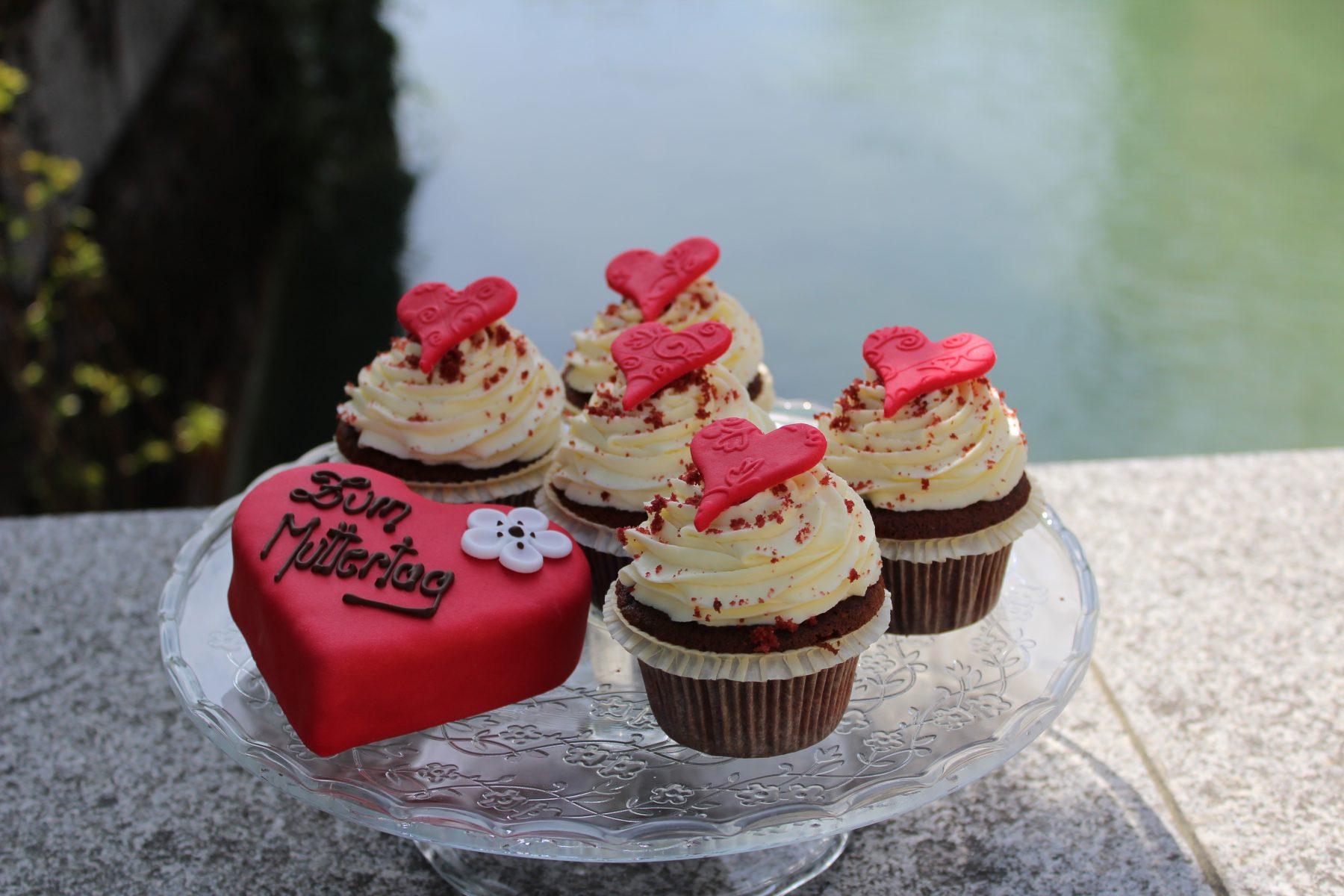 Cupcakes und Torten zum Muttertag